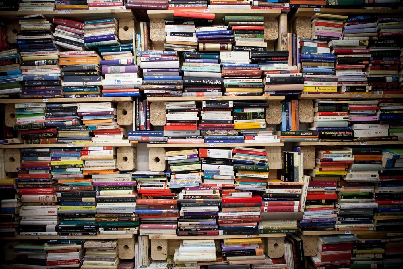 Ysi pasamos las horas en una librer a - Libreria segunda mano online ...