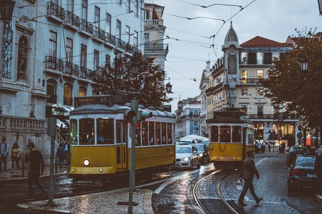 Casablanca, Lisboa, Budapest… los mejores destinos para viajar en solitario