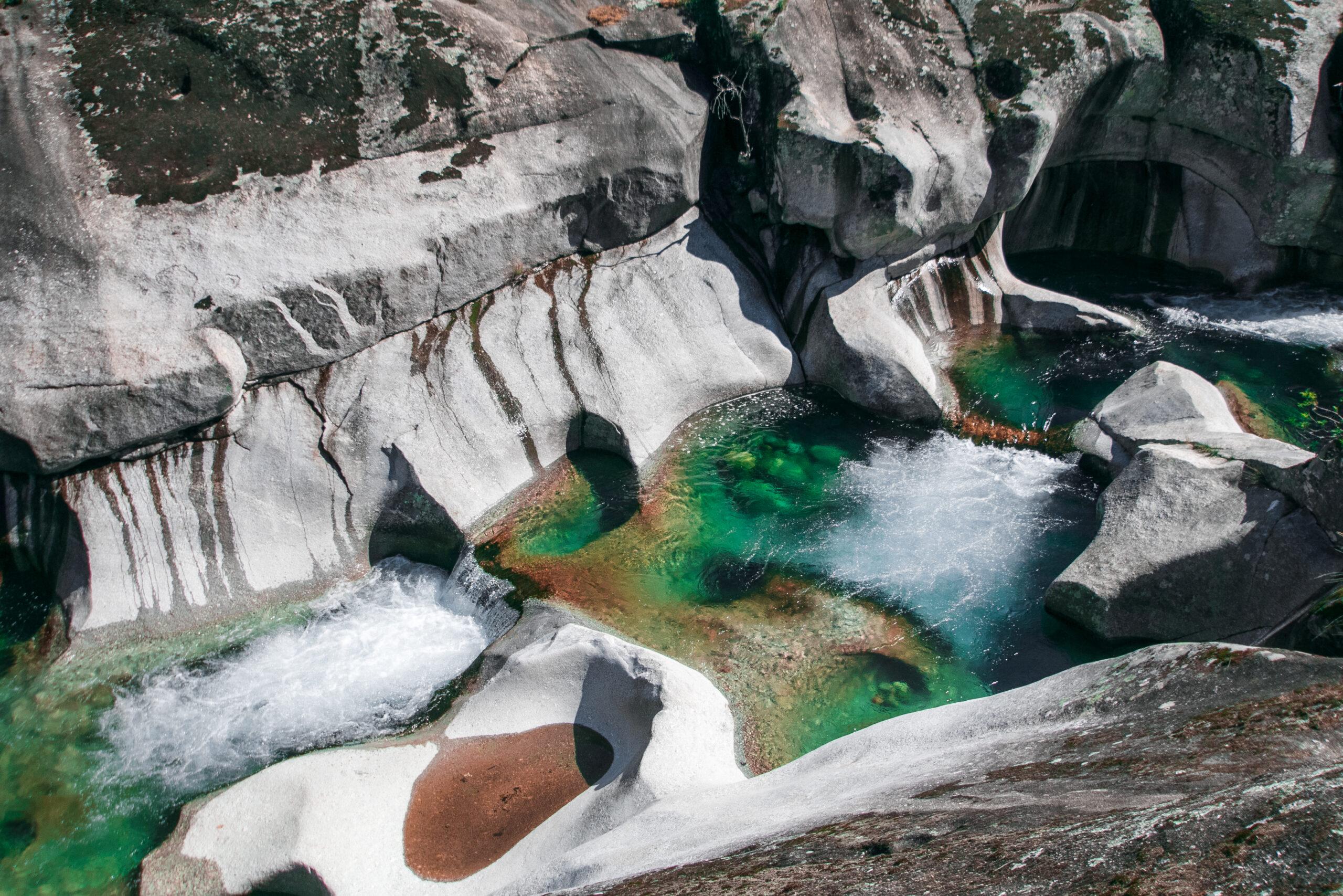 Las piscinas naturales más espectaculares de España donde darse un chapuzón